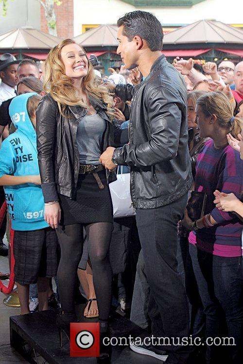 Hilary Duff and Mario Lopez 5