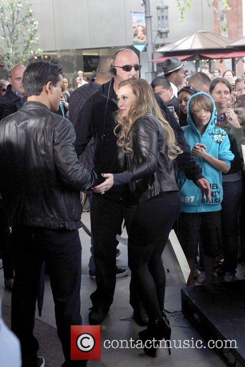 Mario Lopez and Hilary Duff 3