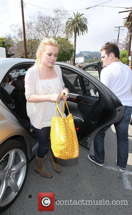 Hilary Duff, Her Fiance, Mike Comrie, A Canadian Professional Ice Hockey Player and Are Dropped Off At Hillary's Mercedes Suv After Being Taken To Look At Furniture By A Salesman. 8