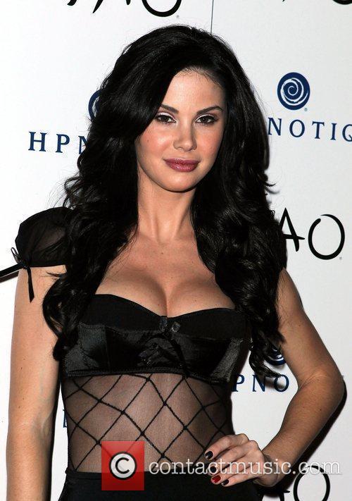 Holly Jayde