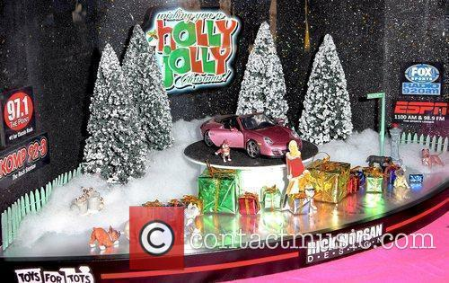Holly Madison continues her 'Holly Jolly Toy Drive'...