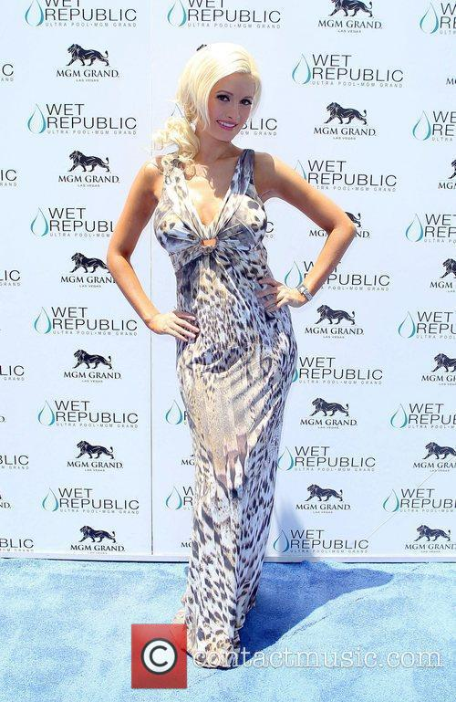 Holly Madison All-American Holly Madison hosts Wet Republic...