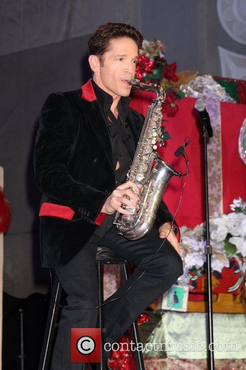 Dave Koz Hollywood & Highland Tree Lighting Concert...