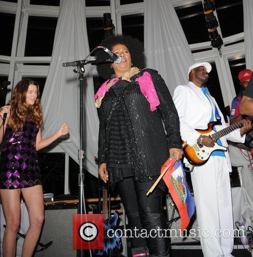 Joss Stone, Betty Wright and Inner Circle 4