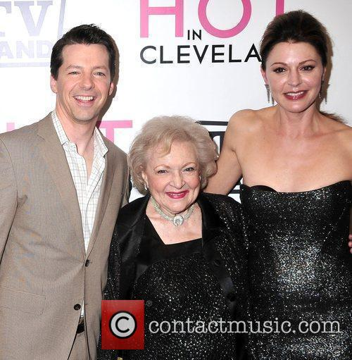 Sean Hayes, Jane Leeves and Betty White 6
