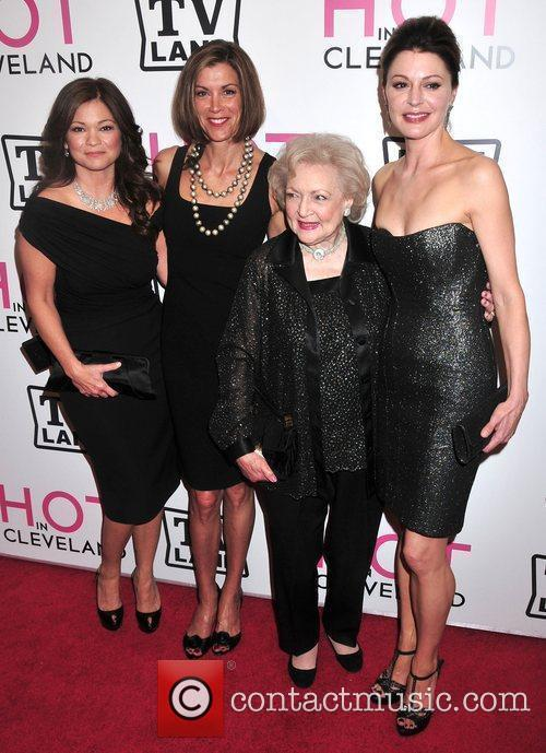 Valerie Bertinelli and Betty White 2