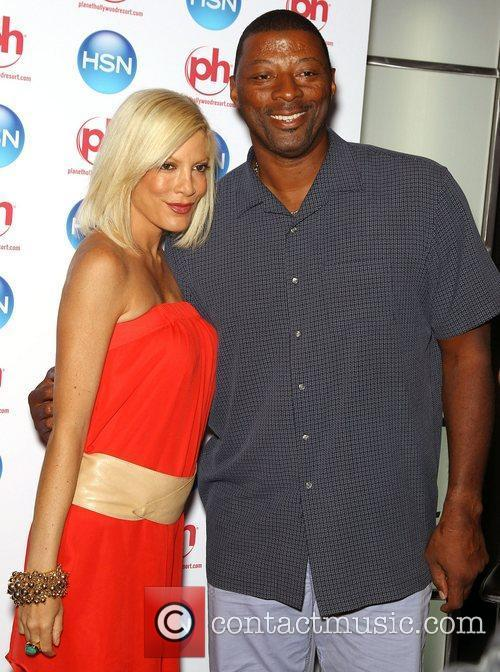Tori Spelling and Carl Banks  HSN Live...