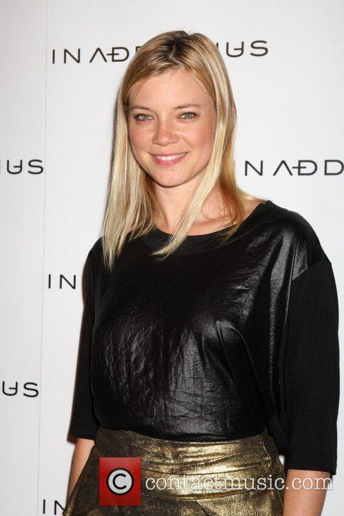Amy Smart and Minus 1