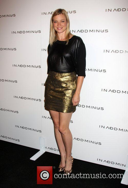 Amy Smart and Minus 2