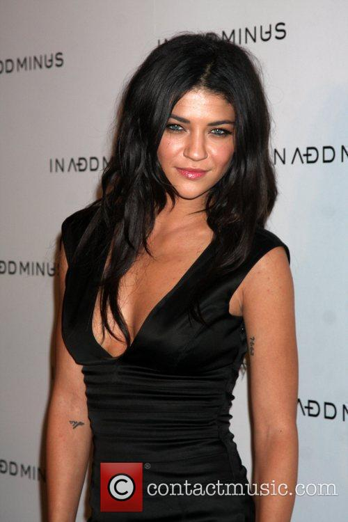 Jessica Szohr and Minus 3