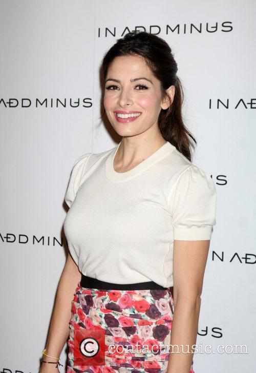 Sarah Shahi and Minus 2