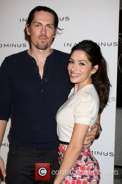 Steve Howey, Minus and Sarah Shahi 1