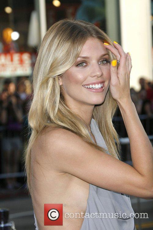 AnnaLynne McCord and Bros 4