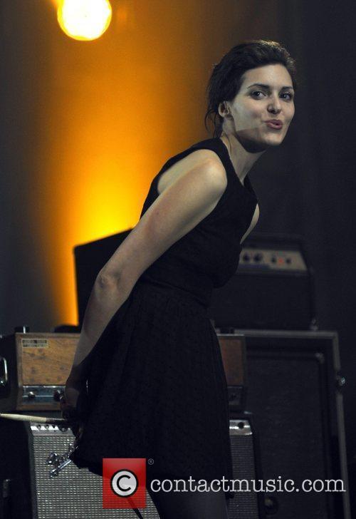 Singer Amy Cole 8