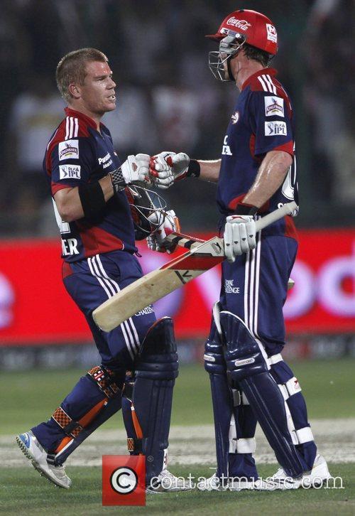 Delhi Daredevils player David Warner and Paul Collingwood...