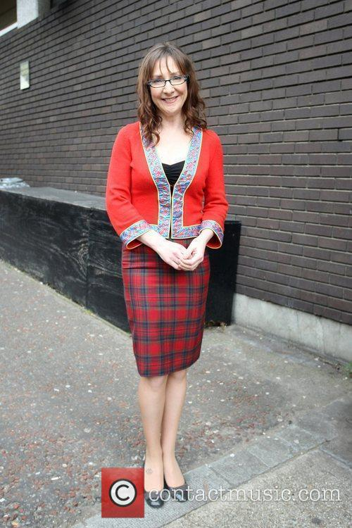 Pauline McLynn - leaving the ITV studios   5 Pictures