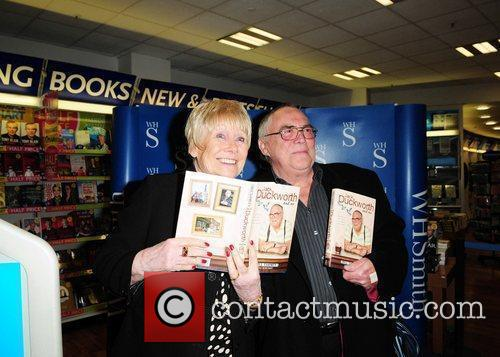 Bill Tarmey and Liz Dawn at his book...