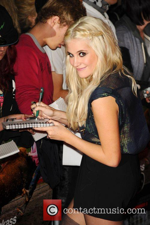 Pixie Lott and Jackass 2
