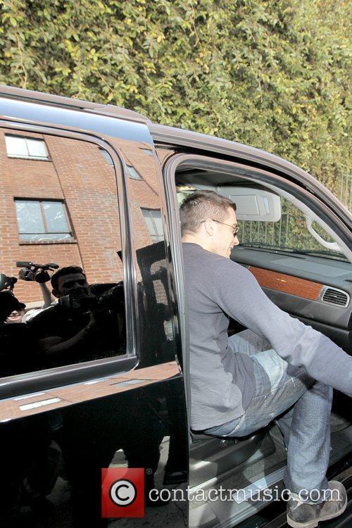 Jake Gyllenhaal leaving a medical building in Beverly...