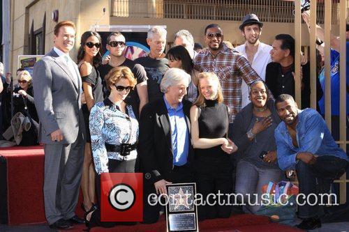 Sigourney Weaver, Arnold Schwarzenegger and James Cameron 8