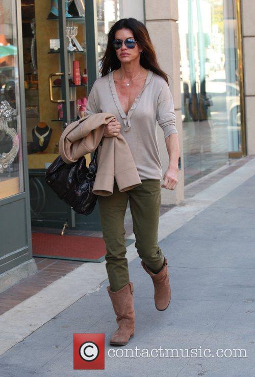 Janice Dickinson on her way to nail salon...