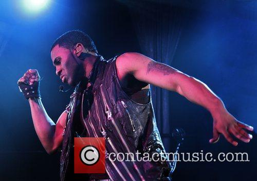 Jason Derulo performing at Manchester Academy