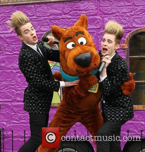 Jedward and Scooby Doo 32