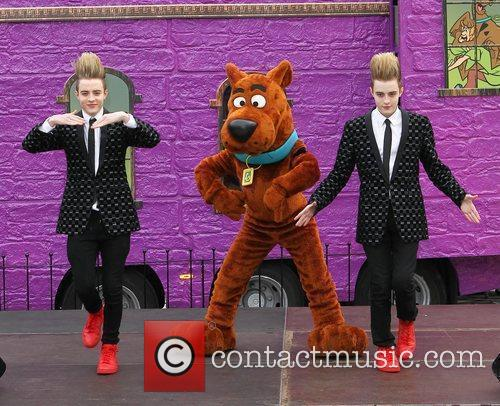Jedward and Scooby Doo 22