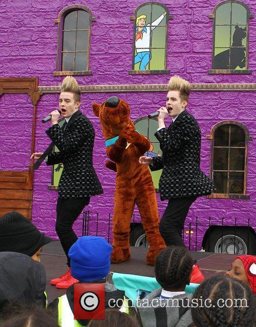 Jedward and Scooby Doo 11