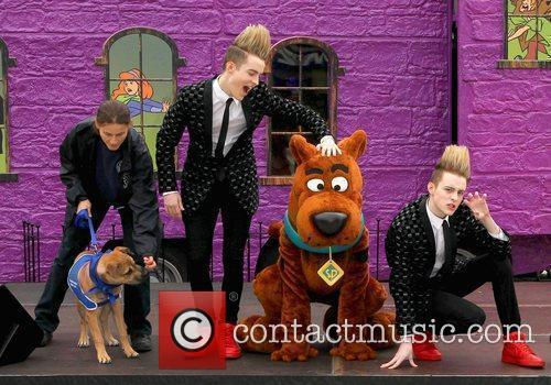 Jedward and Scooby Doo 14