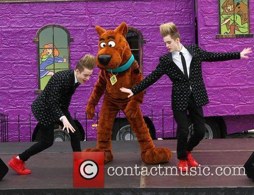Jedward and Scooby Doo 19