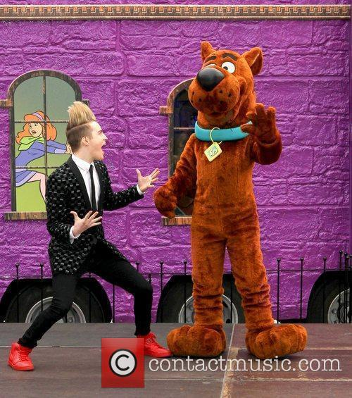 Jedward and Scooby Doo 24