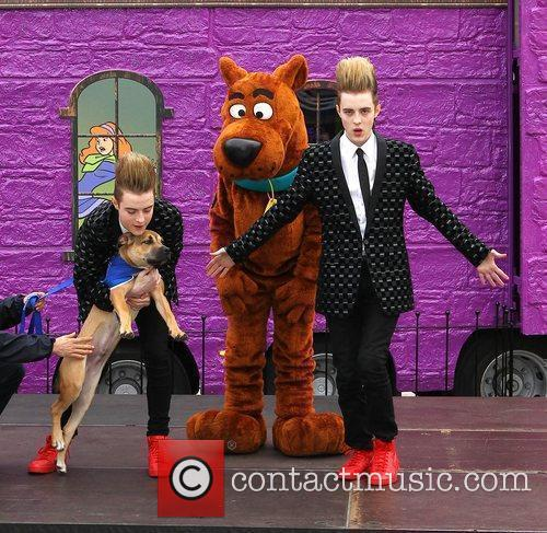 Jedward and Scooby Doo 17