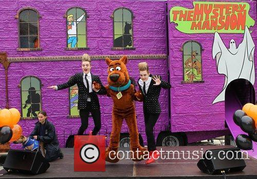 Jedward and Scooby Doo 15