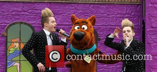 Jedward and Scooby Doo 16