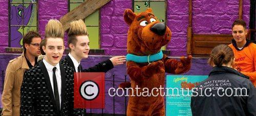 Jedward and Scooby Doo 27