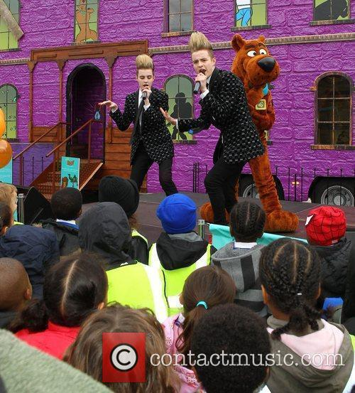 Jedward and Scooby Doo 13