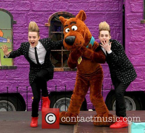 Jedward and Scooby Doo 18