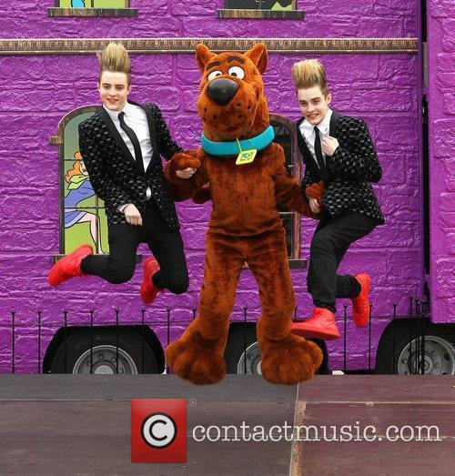 Jedward and Scooby Doo 30