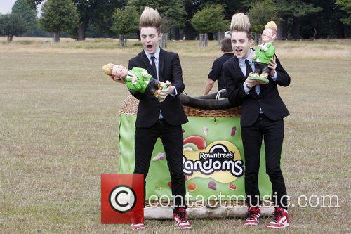 Jedward launch the 'Foamy Gnome on the Roam'...