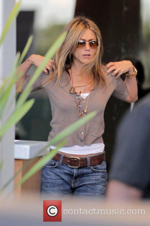 Jennifer Aniston filming scenes for her latest film...