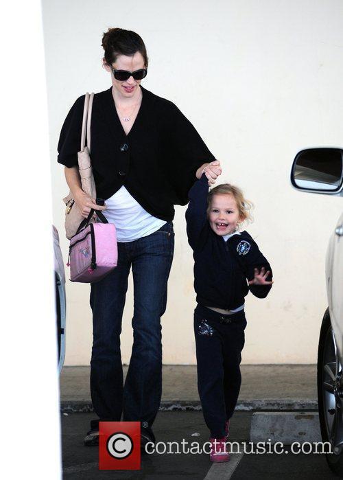 Picks up her daughter Violet Affleck from her...