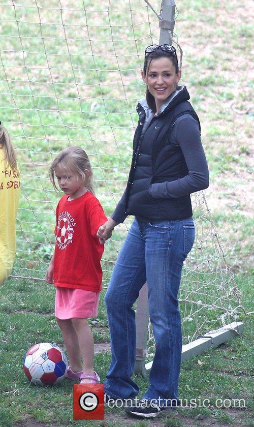 Jennifer Garner and her daughter Violet Anne playing...