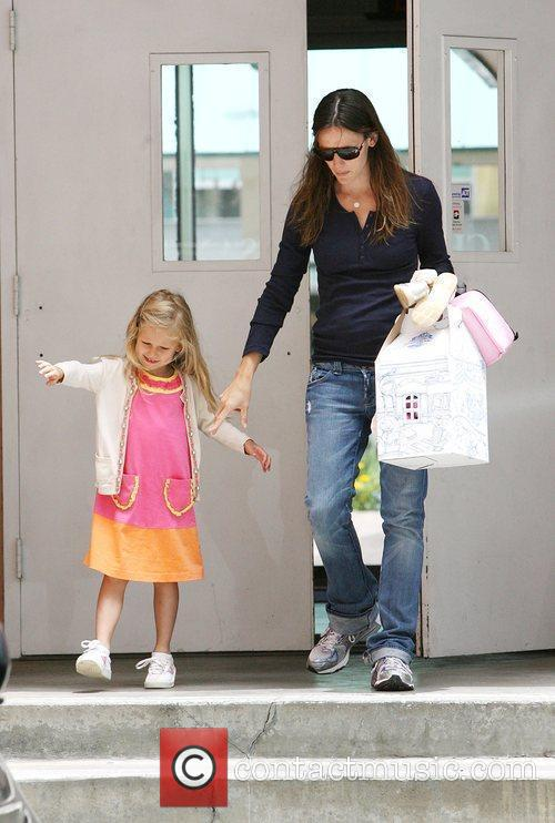 Jennifer Garner picks up her daughter Violet Affleck...