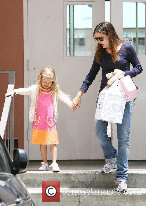 Jennifer Garner picks up her daughter Violet Affleck...