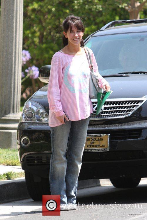 Jennifer Love Hewitt leaving Sizzler in Burbank