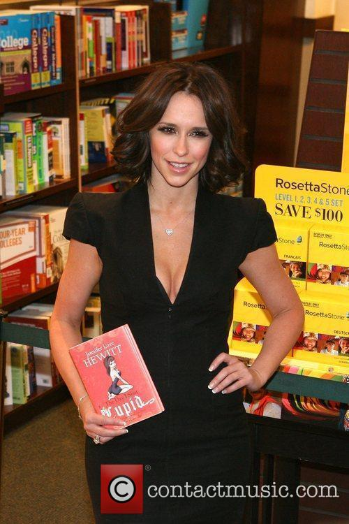 jennifer love hewitt 5450366