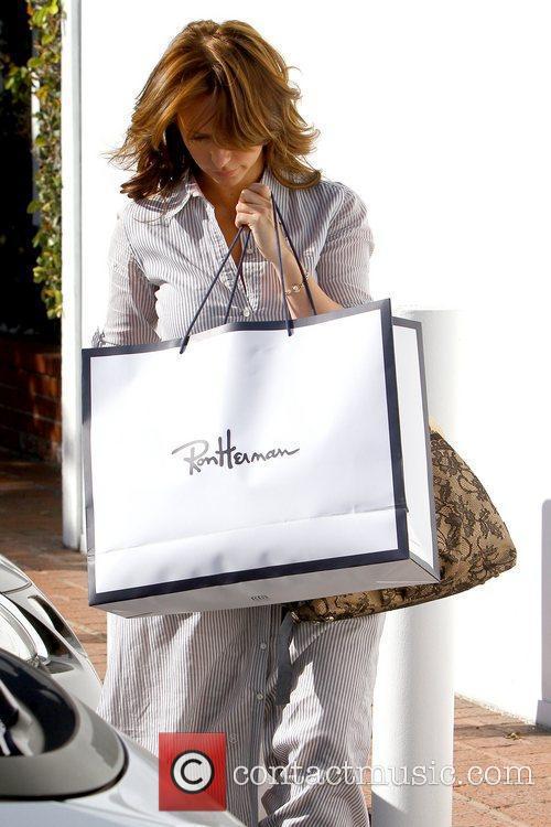 Jennifer Love Hewitt leaving Ron Herman after shopping...