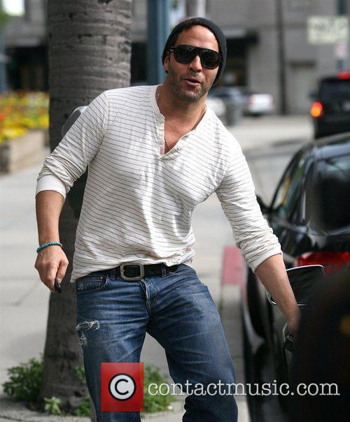 Jeremy Piven departs the San Juan salon in...
