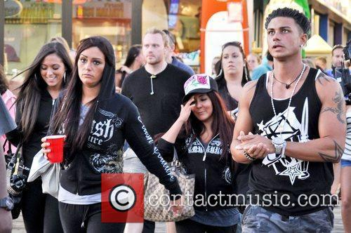 Pauly D, Sammi, Jwoww, and Snooki head to...